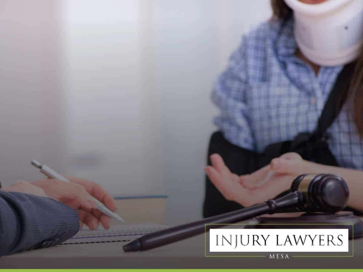 Personal injury lawyer helping a girl that suffered from an accident in Mesa, AZ